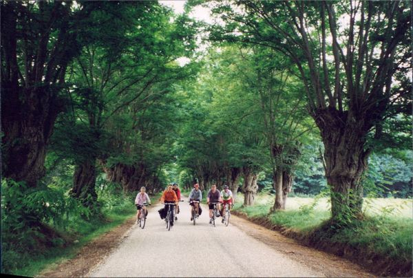 Chain Gang Bike Tour in the Dordogne and Bordeaux France.
