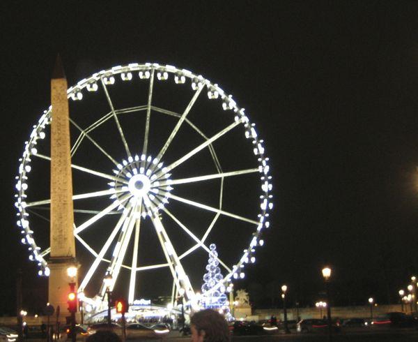 Ferris Wheel in Paris (J. Chung)