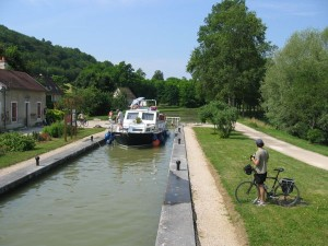Burgundy Biking Tour By Canal de Bourgogne, France