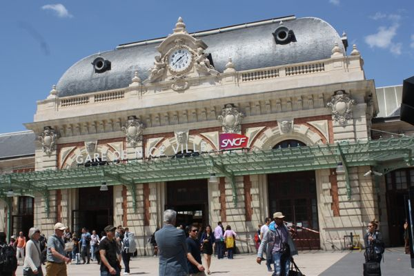 Nice, France Train Station to Cinque Terre Italy
