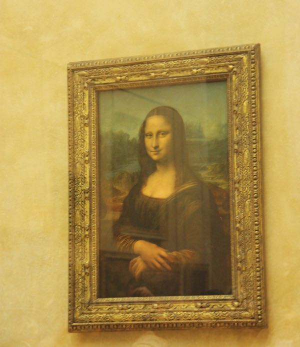 Mona Lisa at the Louvre Museum Paris, France gut