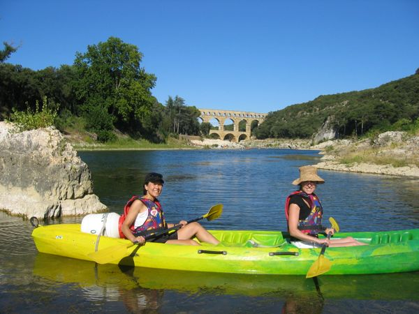 Kayaking on the Pont du Gard travellling with friends