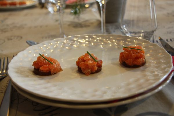 Salmon Tartare, Experience Eating These French Foods