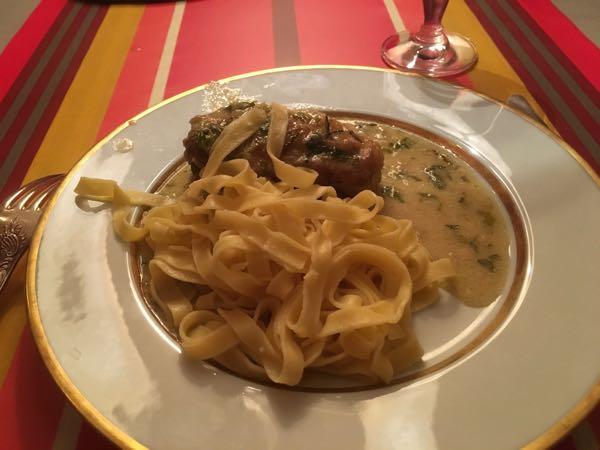 VizEat Poulet à l'estragon (chicken tarragon) with pasta