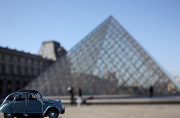 JansFrance2CV Louvre Pyramid