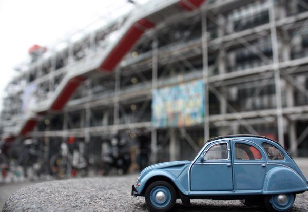 JansFrance2CV Pompidou Centre