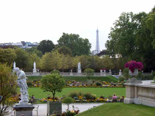 Happy Place: Luxembourg Gardens