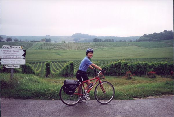Bicycling in the Dordogne, France Active boomer