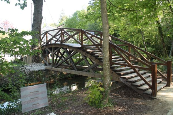 Clos Luce Portable Bridge