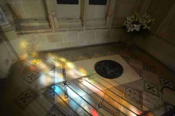 Leonardo da Vinci tomb- Chapelle Saint-Hubert, Amboise (J. Chung)