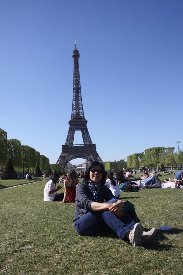 Picnic Champ de Mars Paris, France
