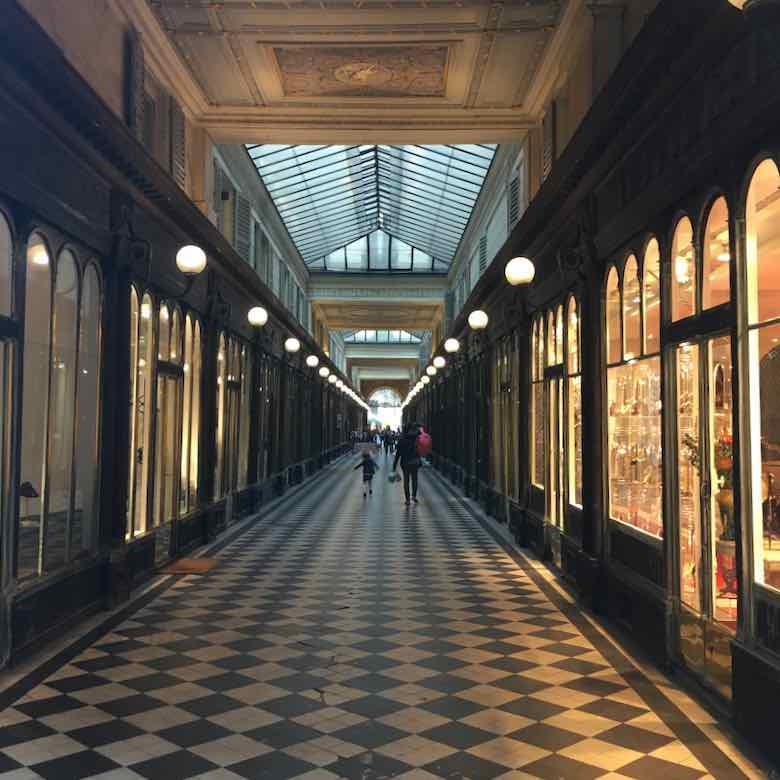 Galerie Vero-Dodat, Paris (J. Chung)