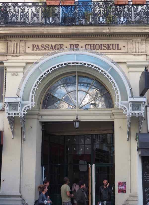 Passage de Choiseul -Paris (J. Chung)