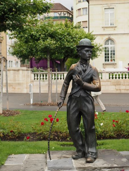Charlie Chaplin sculpture on the Vevey boardwalk