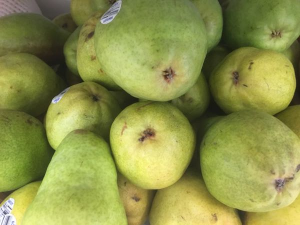 Stomach problems: eat pears