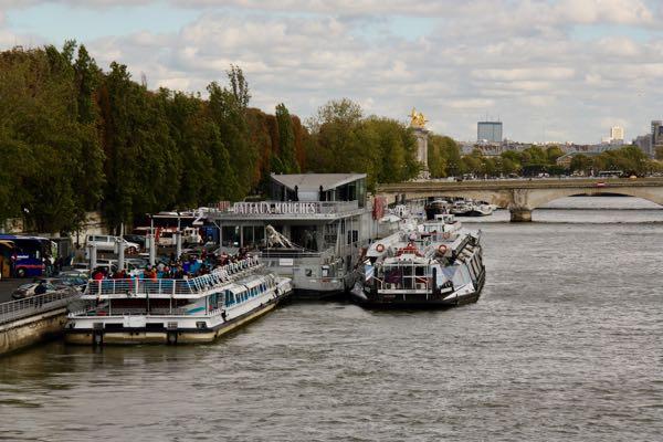 Cruising: Bateaux Mouches