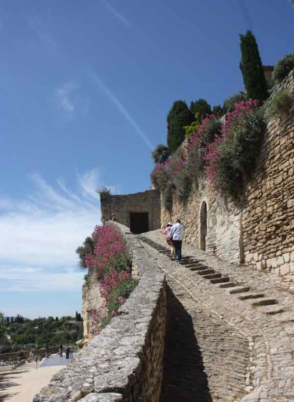 A scenic pathway in Gordes, France