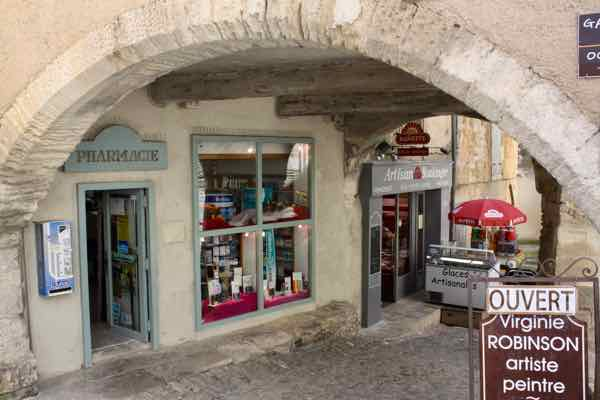 Pharmacy in Gordes, France