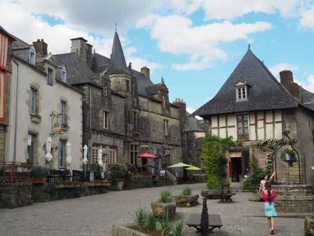 6 days in Brittany includes Rochefort-en-Terre. J Chung