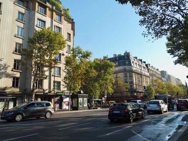 Art deco and Haussmann style architecture in Paris (J. Chung)