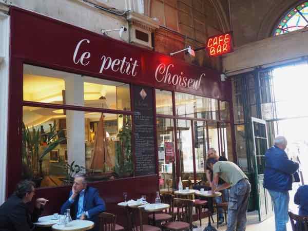 Entrance to Le Petit Choiseul at Passage de Choiseul