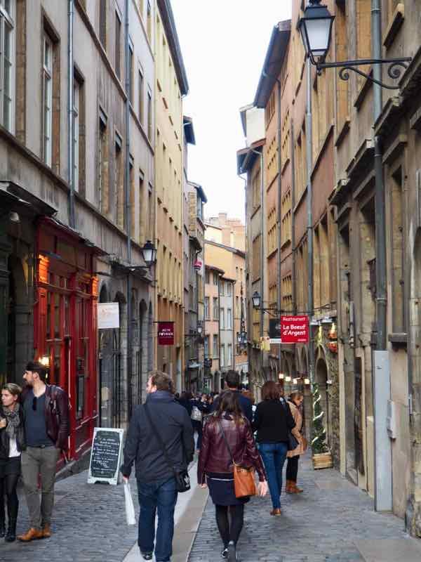 Lyon's Traboules and Fresques: Rue de Beouf, Lyon (J. Chung)