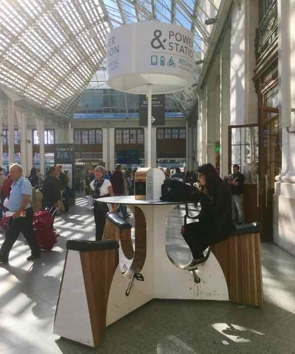 Charging station at Gare de Lyon, Paris (J. Chung)
