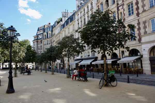 Place Dauphine, Paris (J. Chung)