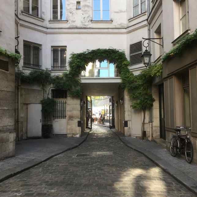La Cour Damoye Entrance, Paris (J. Chung)