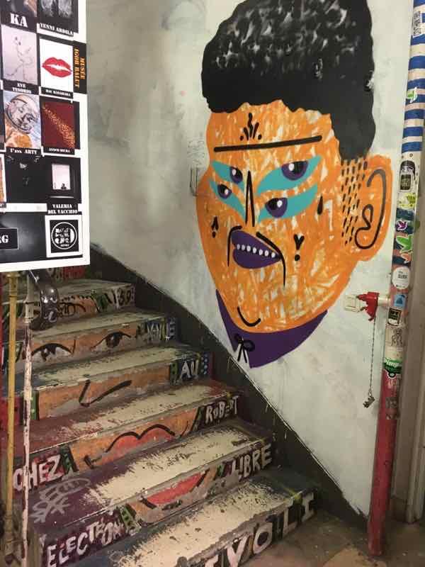 59 Rivoli stairway (J. Chung)