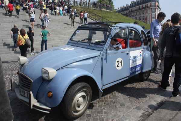 Citroen 2CV at Sacre Coeur, Paris