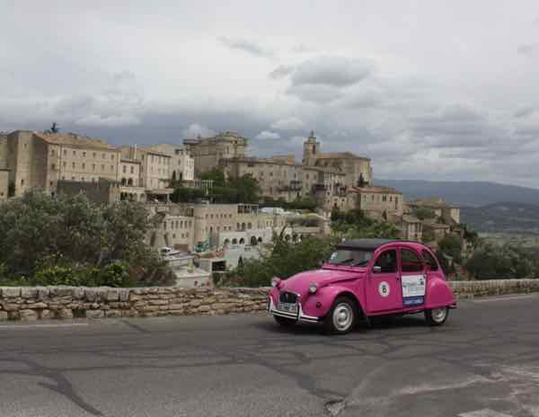 Citroen 2CV in Gordes, France