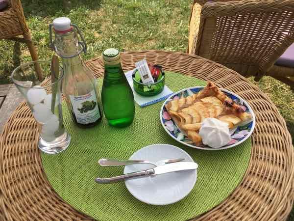 Little snack at La Ferme aux Lavandes