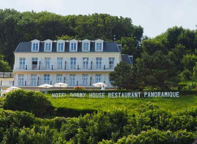 Dormy House Restaurant with reasonably-priced lunch with panoramic views of Etretat