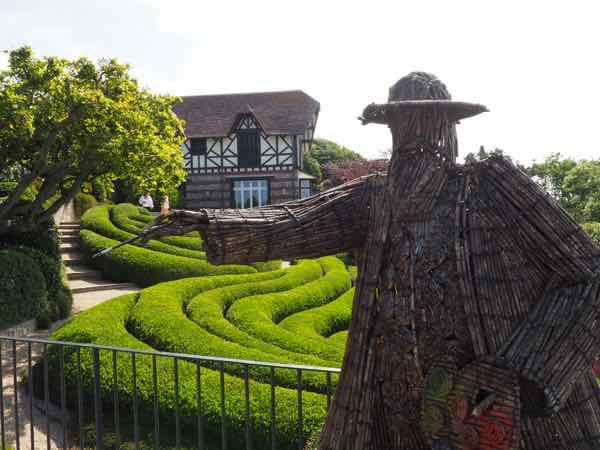 Claude Monet in Etretat-at the hidden gardens in Etretat