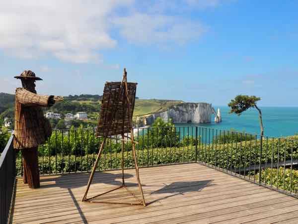 Wiktor Szostalo's twig sculpture of Claude Monet-Jardins d'Etretat