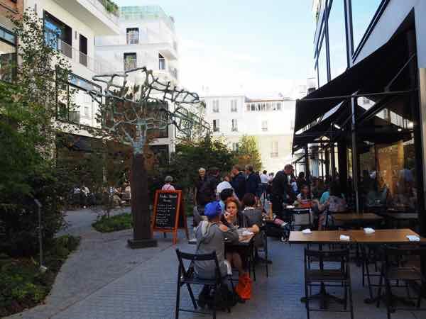 Outdoor seating at Beaupassage Paris (J. Chung)
