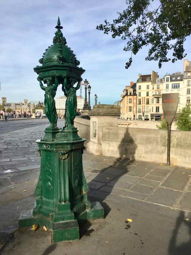 Free water in Paris: Wallace Fountain at Quai des Grands Augustines and Rue Dauphine at Pont Neuf
