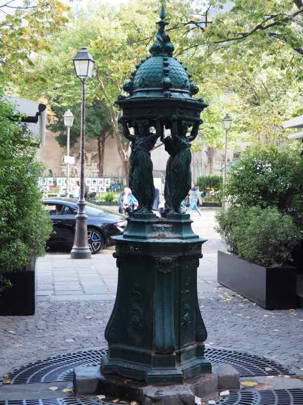 Wallace Fountain at Rue Bonaparte and Rue Guillaume Apollinaire (J. Chung)
