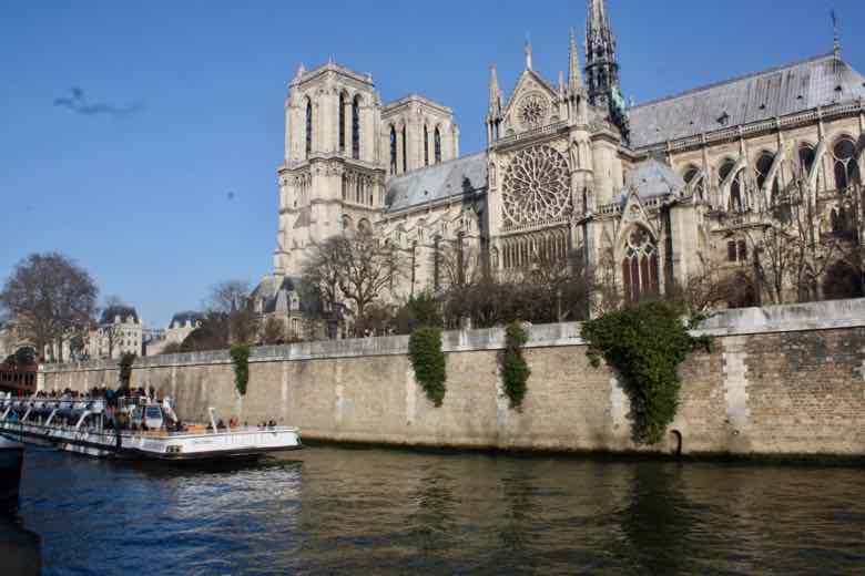 Notre-Dame Cathedral from Seine (J. Chung)