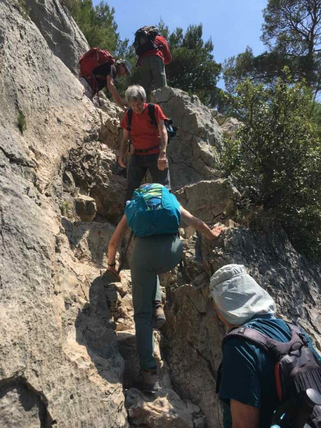 Heading back from Calanque d'En Vau (J. Chung)