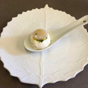 Marinated scallop mise en bouche (J. Chung)