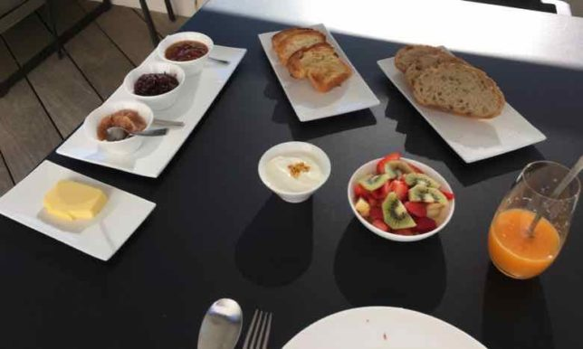 Breakfast-Chateau Autignac (J. Chung)