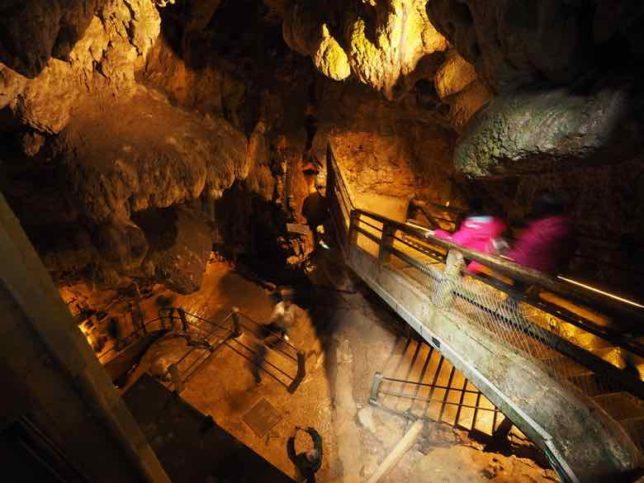 Entering Padirac cave (J. Chung)
