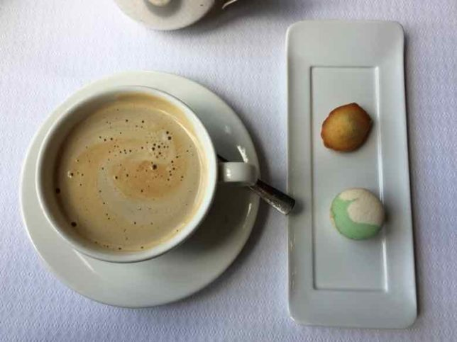 Cafe gourmand-La Barbacane Carcassonne (j. Chung)