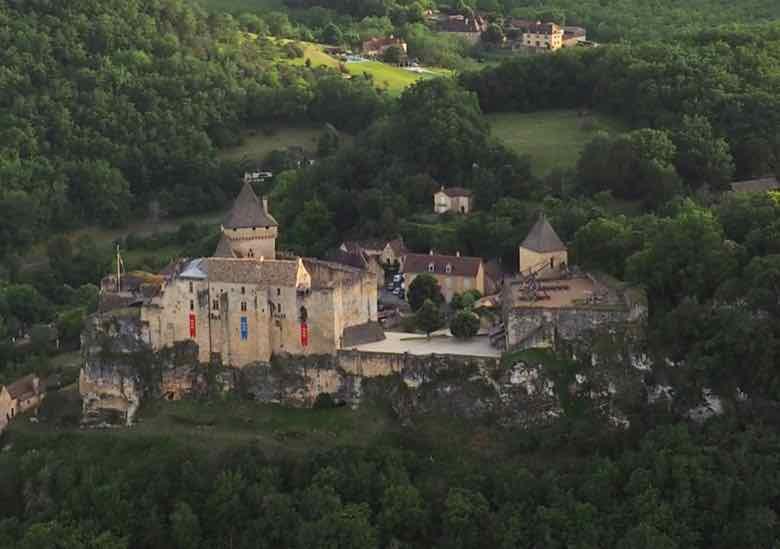 Hot air balloon view of Chateau de Castelnaud (J. Chung)
