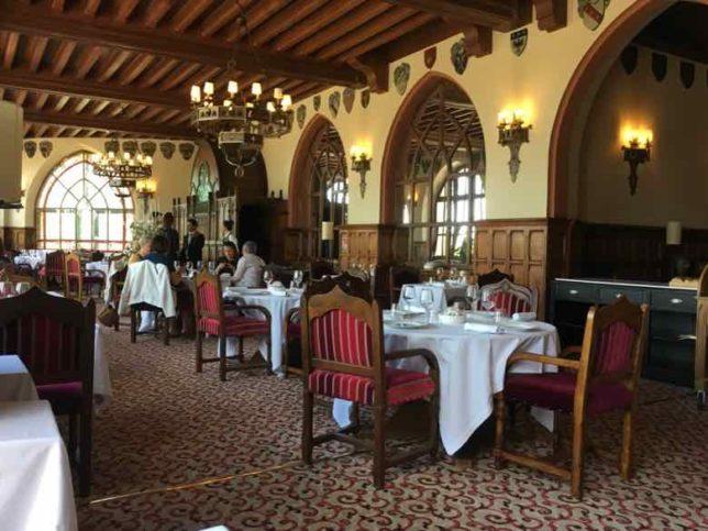 Dining Room-La Barbacane Carcassonne (J. Chung)
