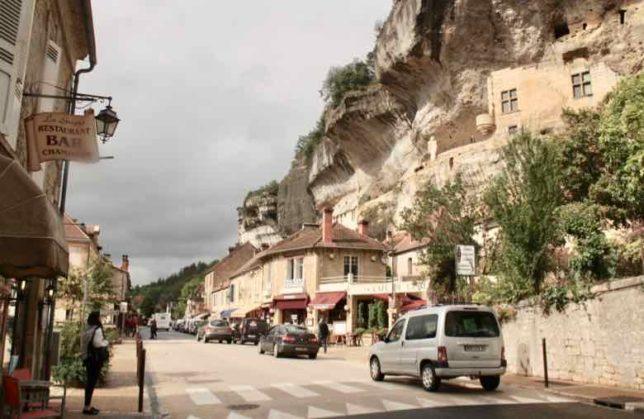 Les Eyzies-de-Tayac-Sireuil (J. Chung)