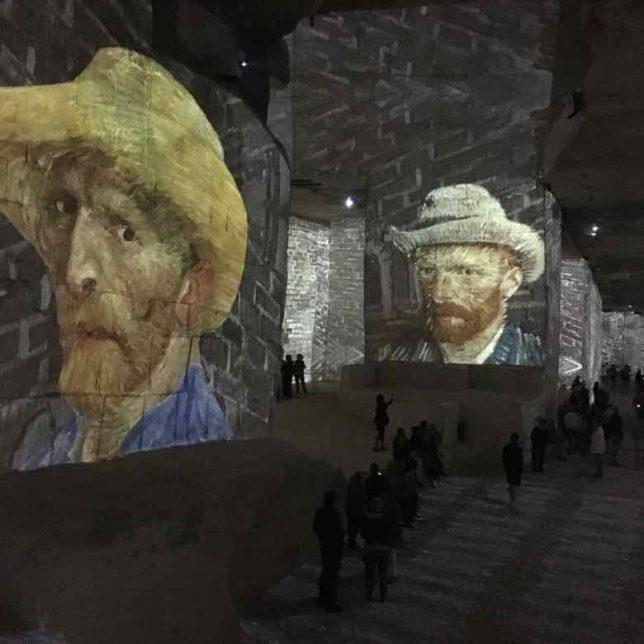 Van Gogh La Nuit Etoilee-Carrieres des Lumieres (J. Chung)