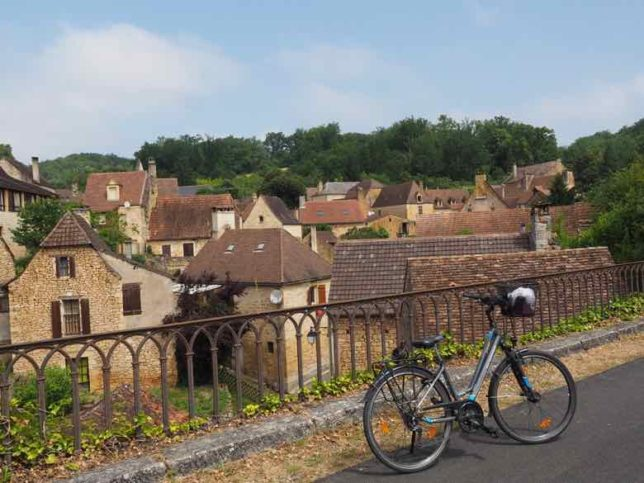Aillac-on the Voie Verte bicycle route (J. Chung)